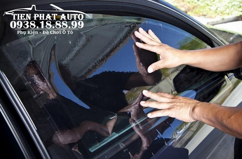 Dán Phim Cách Nhiệt Cao Cấp Cho Xe Toyota Camry tại Tiến Phát Auto