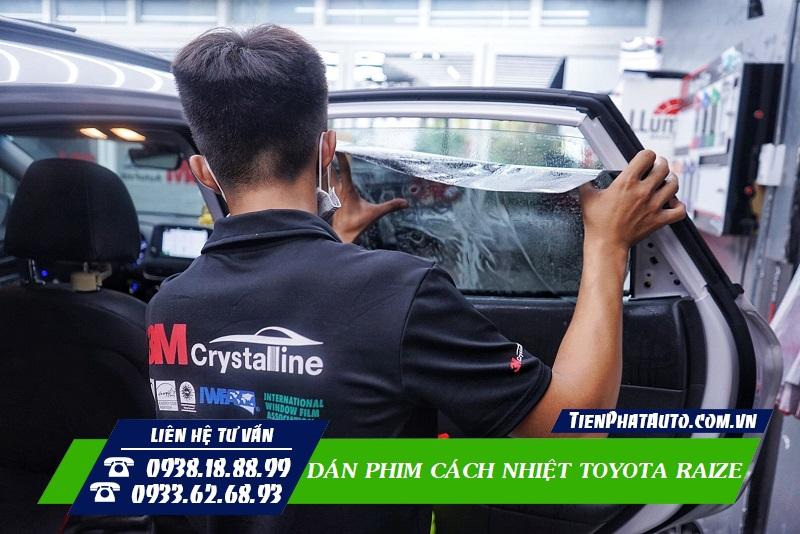 Dán Phim Cách Nhiệt Xe Toyota Raize